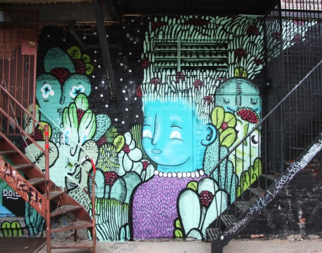 Waxhead in alley behind St-Laurent