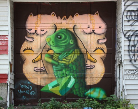 collaboration between Waxhead (beige) and Birdo (green) in alley behind St-Urbain, near Prince-Arthur