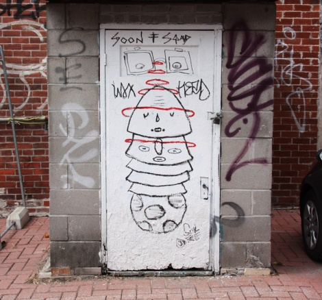 Waxhead drawing in a Mile End alley