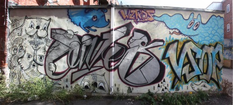 Waxhead, Gives, Cryote and perhaps other members of the WZRDS GNG in alley off St-Laurent