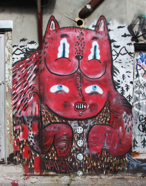 Waxhead piece in alley behind St-Laurent