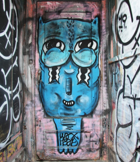 Waxhead piece on St-Laurent near Ontario