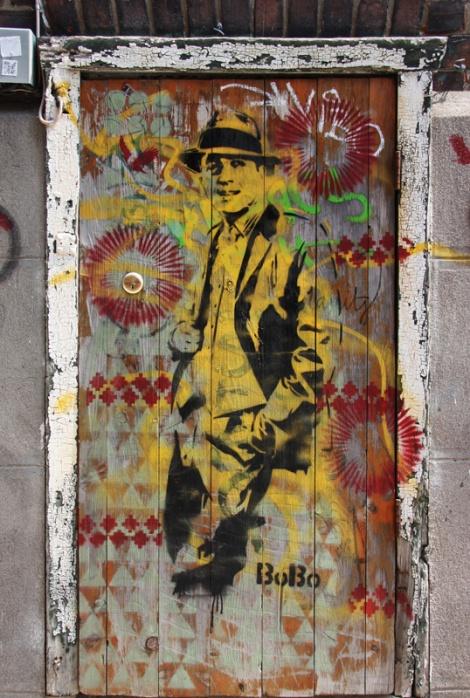 Bobo, stencil on door