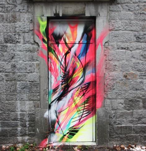 L7M on a door in the Cité du Multimédia