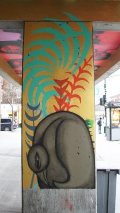 Labrona on métro Jarry column