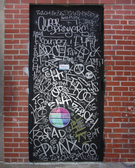 Queer Sprayers (EHT, Zilch, Sad Punx, Listen), plus paste-up by Swarm