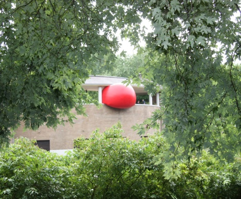 Red Ball Project Montreal day 7 - 6 September: Parc Lafontaine