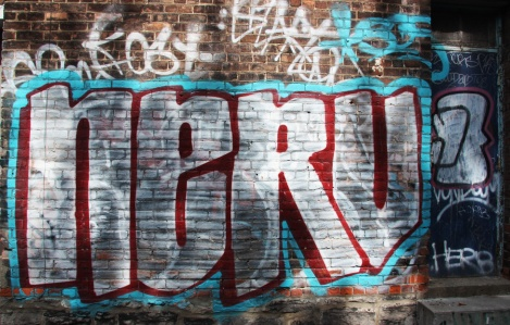graffiti by Nerv in St-Denis Drolet alley between Duluth and Roy