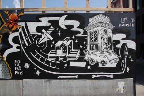Under Pressure Festival zone 2014 - Le Monstr on boarded wall