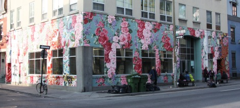 mural by Annie Hamel for Mu on corner of Maisonneuve and Visitation