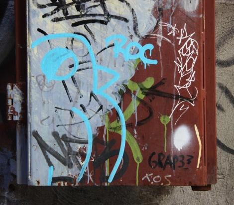 ROC514 in alley between St-Laurent and Clark