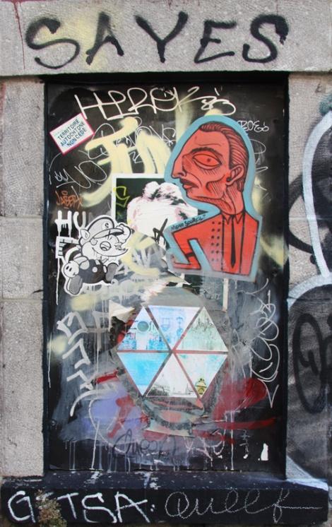 Mono Sourcil, AinB, etc, in alley between St-Laurent and Clark