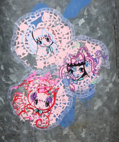 Stela on doilies
