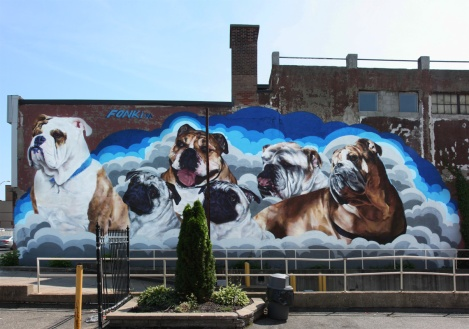 Fonki mural on Décarie commissioned by dog owners in memory of their dogs who have gone to puppy heaven