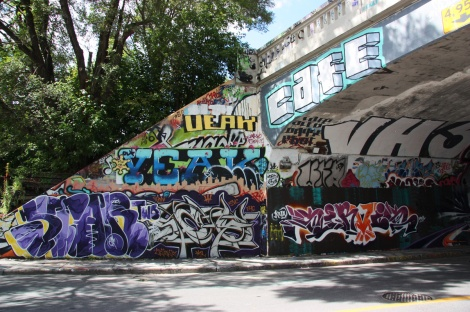 Star Two (bottom left), Veak (top left), Cafe (top right), Sirvis (bottom right) at the Rouen tunnel legal graffiti wall