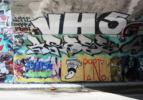 Porto (bottom right), Arose (middle), VH5 (top) at the Rouen tunnel legal graffiti wall