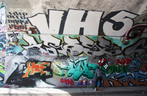 Rouks (bottom centre), Arose (middle) and someone from VHS (top) at the Rouen tunnel legal graffiti wall