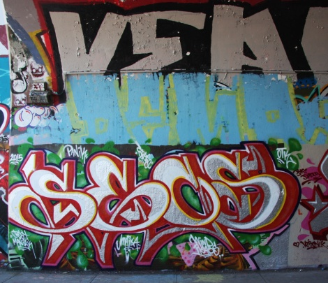 Secs at the Rouen tunnel legal graffiti wall