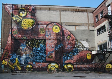 mural by Pixel Pancho for the 2013 edition of Mural Festival