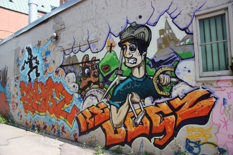Keox in alley north of Laurier
