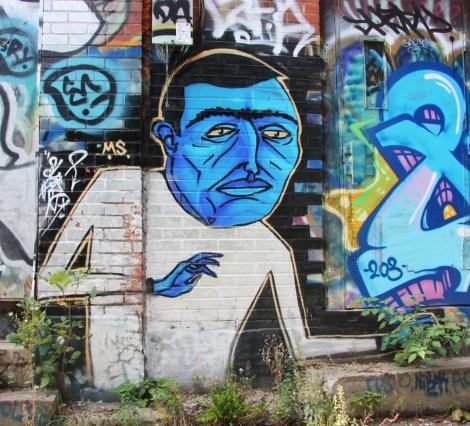 Mono Sourcil in a Hochelaga alley