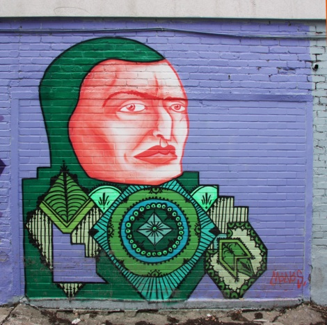 Mono Sourcil in a Rosemont alley