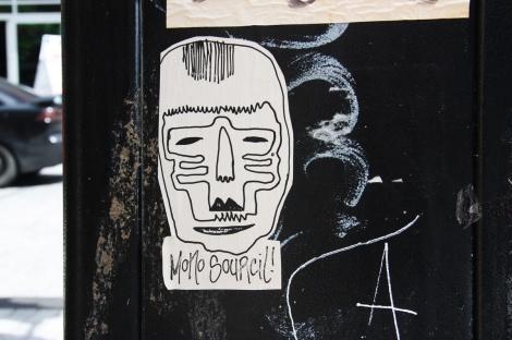 Mono Sourcil paste-up