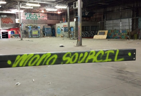 tag by Mono Sourcil found inside an abandoned building
