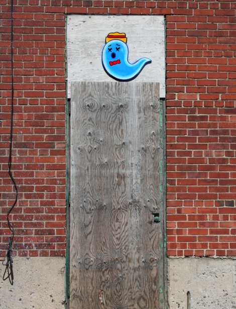 painted wood-up by XRAY found in Hochelaga