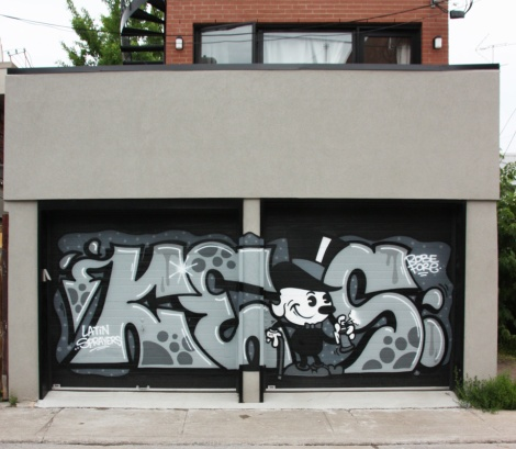 Keos on Plateau garage doors