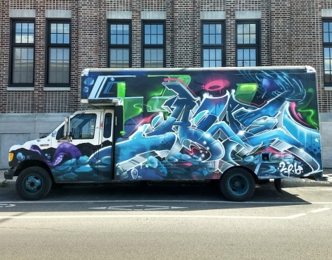 truck side by Awe with background by Fleo and Dodo Osé, for the 2018 edition of Hip Hop You Don't Stop