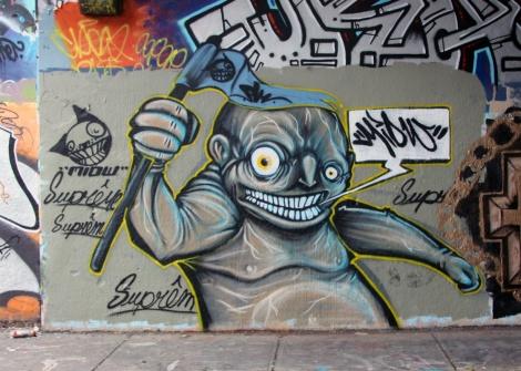 Miow at the legal graffiti tunnel on de Rouen