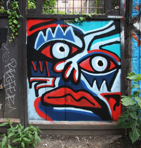 Yolacocacola in alley between St-Laurent and Clark