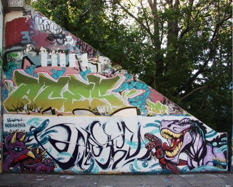 Hesan (bottom), Aces (middle) at the Rouen legal graffiti tunnel