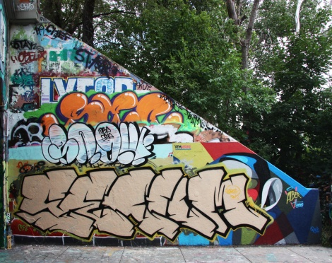 Serum at the Rouen tunnel legal graffiti walls; white throw is by Snok