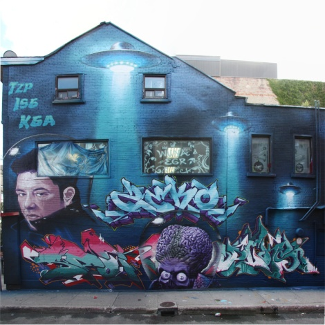 Zek, Mark Esprit, Hsix, Dcae and Dekor's joint contribution to the 2015 edition of the Under Pressure Festival