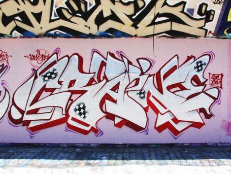 Crane at the PSC legal graffiti wall