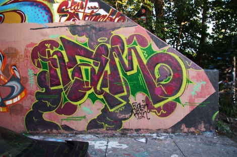 Naimo at the Rouen legal graffiti tunnel (unfinished)