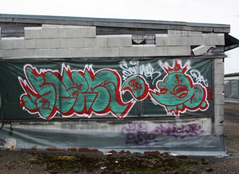 Rooftop pieces by Scaner at the abandoned Transco