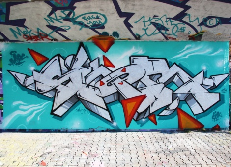 Skor piece designed by Narc found at the PSC legal graffiti wall