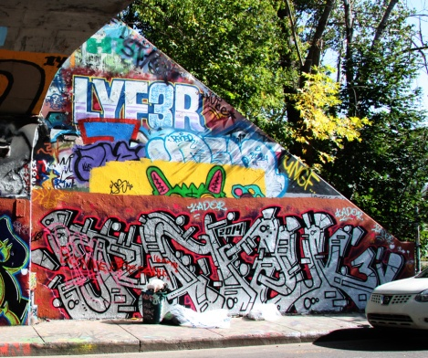 Ratek (bottom) at the Rouen legal graffiti tunnel