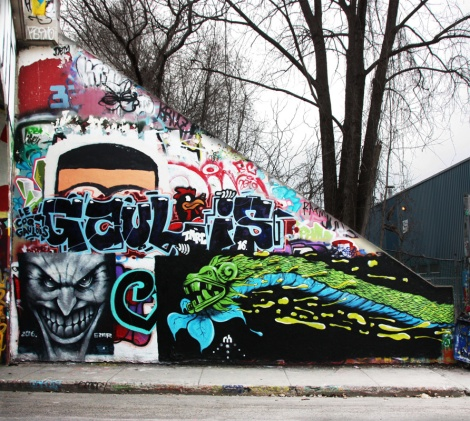 Ezar (bottom left), unidentified artist (bottom right), Gaulois (middle) at the Rouen legal graffiti tunnel