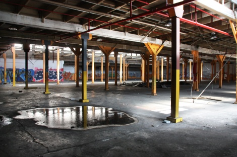 the abandoned Transco's orange room - general view