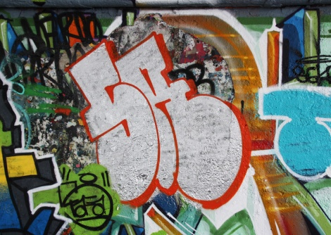Skor throw at the Papineau legal graffiti wall