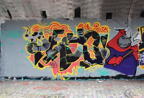 Peyo aka Yope (letters) and Gaulois (character) at the PSC legal graffiti wall