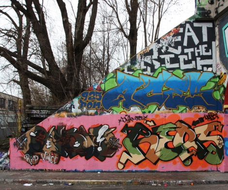 unidentified (bottom left), Hers (bottom right) and Aces (middle) at the Rouen legal graffiti tunnel