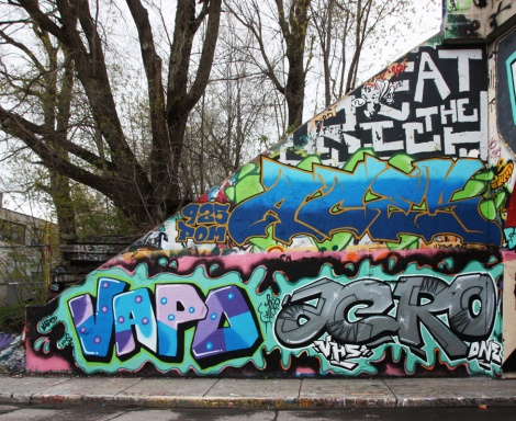 Vapo (bottom left), Acro (bottom right) and Aces (above them) at the Rouen legal graffiti tunnel