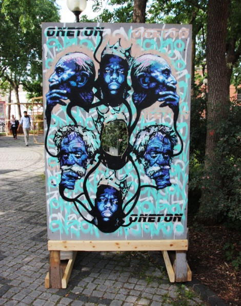 "One Ton on ""your face here"" board for the 2016 edition of Mural Festival"
