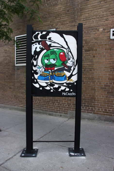 Mr Crocks on sidewalk panel on Amherst for the 2016 edition of the MTL En Arts festival
