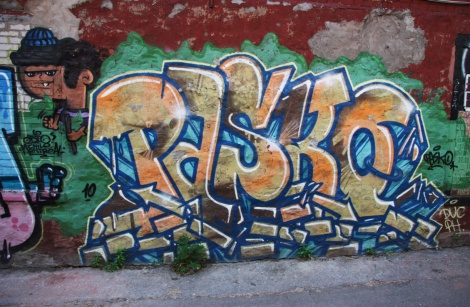 Pask in a Plateau alley